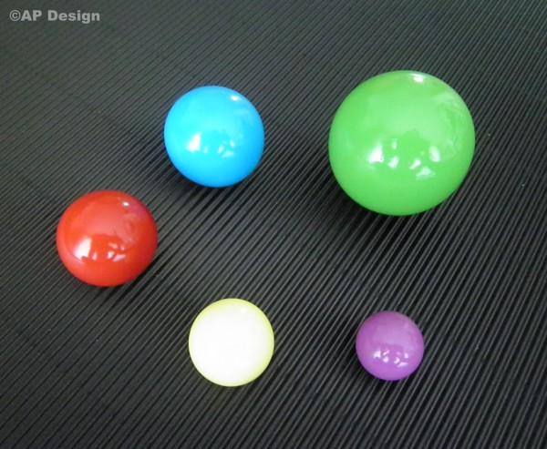 Holzkugel 20, 25, 30, 35 und 48mm, in 106 Farben, in 5 Ausführungen